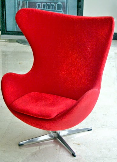 Egg chair by Arne Jacobsen roomsrevamped.com