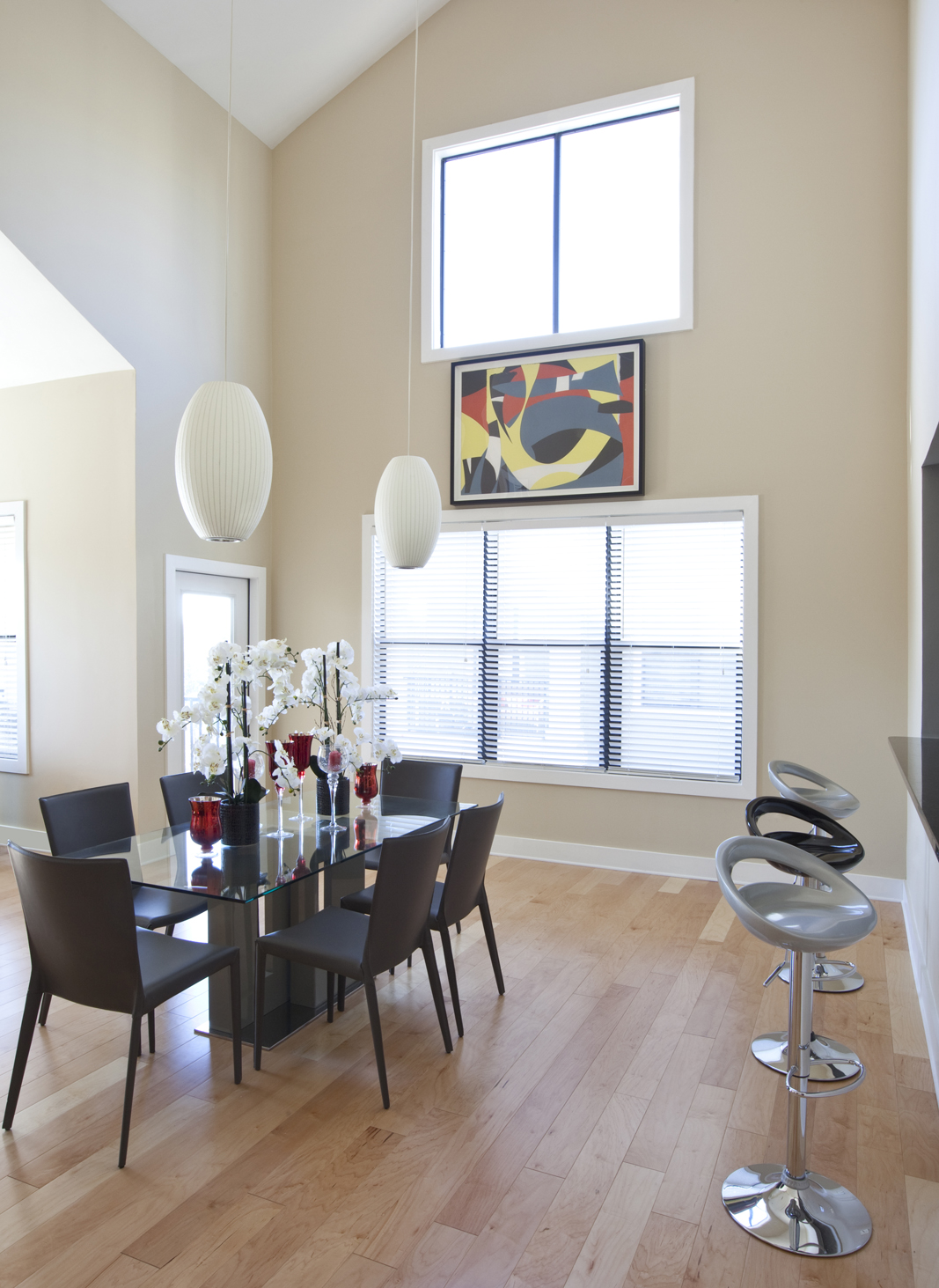 Modern dining room designed by Robin LaMonte of Rooms Revamped Interior Design